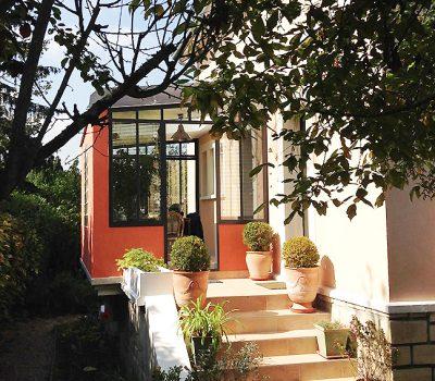stignani-architecte.fr, petite extension d'une maison à La Celle-Saint-Cloud, dans les Yvelines. Vue de l'entrée